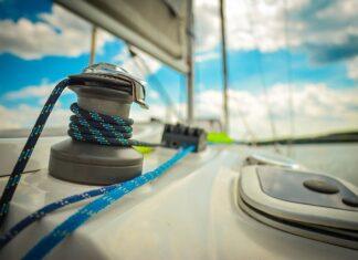 Korzyści z czarteru jachtu